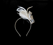 **NEW** BEAUTIFUL IVORY FASCINATOR HAT ON HEADBAND - RACES WEDDINGS