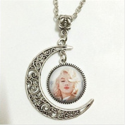 Pendant,Necklace,Moon Jewellery,moon Necklace Glass Art Picture