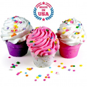 Bath Bomb GIFT SET, 3 XL Cupcakes - Fizzy Lush Bath Bombs Nourish (Sea Salts), Moisturise (Jojoba & Sweet Almond Oils), Exfoliate (Frosting). Fun Gift for Her - Spa Relaxation Bath Set. Made in USA.