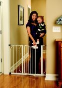 Regalo Easy Step Walk Thru Gate White Fits spaces between 70cm and 100cm Wide