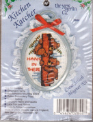 "The New Berlin Co Kitchen Katcher ""HANG IN THERE"" Hoop Counted Cross Stitch Kit No.2844"