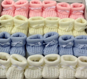 BABY KNITTED BOOTIES BOYS GIRLS SOCKS NEWBORN BOOTEES S 0-3 mths APPROX