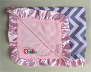 Rosy Kids Soft Baby Blanket, Outdoor Kit Standard Size for Baby Girl and Baby Boy, Grey Chevron Cotton Baby Pink Velvet