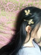 Simple stylish hair or bobby pin leaf design 3
