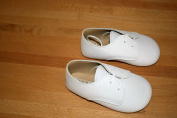 Early Days Unisex White Lace Up Soft Soled Pram Shoes Size 3 - 12-18 Months