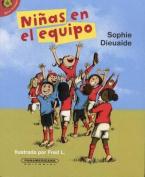 Ninas En El Equipo [Spanish]
