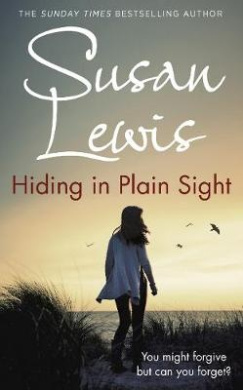 Hiding in Plain Sight (The Detective Andee Lawrence)