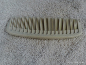 TUPPERWARE BARBER STYLE POCKET COMB IVORY 11cm LONG