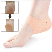 ThunderStar 1pair Gel Heel Sleeve Moisturising Silicone Socks Cracked Foot Skin Care Protectors Cushion with 12 Air Holes Skin Colour