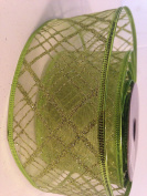 Gold Glitter Green Sheer Mesh Pattern 6.4cm . x 2.7m Wired Ribbon - Great for the Christmas Season!