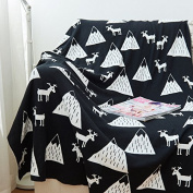 Baby Blanket Black White Cute Knitted Plaid For Bed Sofa Cobertores Mantas BedSpread Bath Towels Play Mat