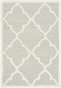 Safavieh Cambridge Collection CAM312L Handmade Moroccan Geometric Light Grey and Ivory Premium Wool Area Rug