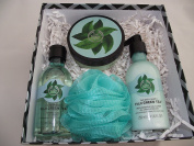 BODY SHOP FUJI GREEN TEA GIFT SET - 200ML BODY BUTTER, 250 SHOWER GEL, 250ML BODY LOTION AND A GREEN BODY POLISHER - GIFT BOXED
