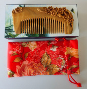 No Static Handmade Carved Natural Green Sandalwood Portable Hair Comb S20