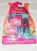 Dreamworks Trolls Lip Balm and 2 Hair Clips - Watermelon Flavoured Lip Balm
